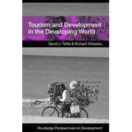 Tourism and Development in the Developing World (BOK)