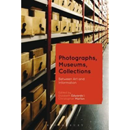 Photographs, Museums, Collections (BOK)