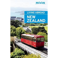 Moon Living Abroad New Zealand (BOK)