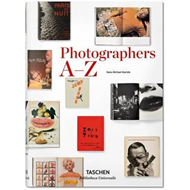 Produktbilde for Photographers A-Z (BOK)