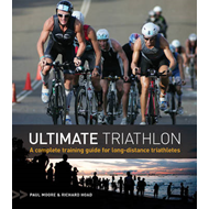 Ultimate Triathlon: A Complete Training Guide for Long-distance Triathletes (BOK)