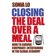 Produktbilde for Closing the Deal over a Meal (BOK)