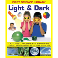 First Science Library: Light & Dark (BOK)