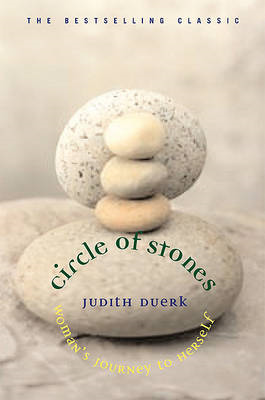Circle of Stones: Woman's Journey To Herself (BOK)