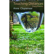 Touching Distances - Diary Poems (BOK)