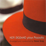 Plays Piazzolla (CD)